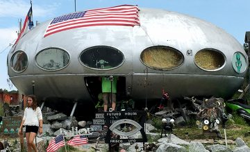 This 1960s Futuro House has been transplanted to Frisco, NC, and has since transformed into the Frisco UFO. Passers-by and fans of the unique come to take in the out of this world site, and maybe catch a glimpse of its resident alien.